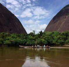 Cerros de Mavicure o Mavecure (Guainia - Colombia )⛰🌳💦🇨🇴 Bella, Opera House, Traveling, River, Building, Outdoor, Colombia, Scenery, Viajes