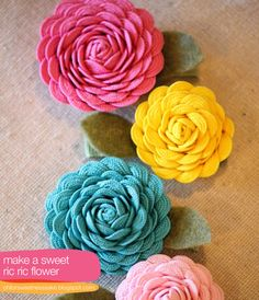 pretty! rick rack flowers DIY