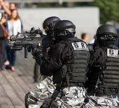 Tactical Equipment, Tactical Gear, Ghost Recon 2, Police Nationale, Airsoft Gear, French Army, Swat, Special Forces