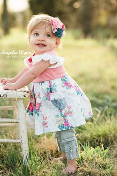 Top 25 Unique Little Girl Photography Ideas - ABC of Parenting Little Girl Photography, Old Photography, Birthday Photography, Toddler Photography, Photography Portraits, 1 Year Pictures, First Year Photos, Pictures Of Kids, Little Girl Pictures
