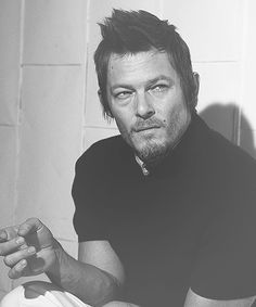 norman reedus.. My fav walking dead character .. Daryl