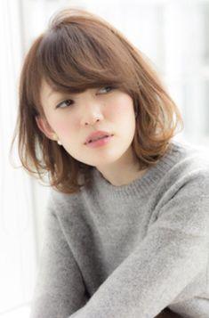 30代も可愛い髪型(ヘアスタイル)にしたいならミディアムパーマのほつれ感がメチャカワ! | GetBeauty