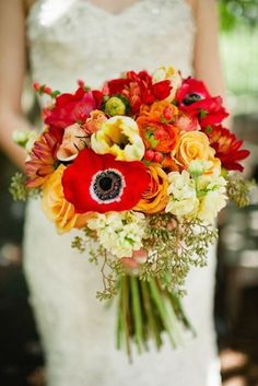 red fall wedding bouquet / http://www.himisspuff.com/fall-wedding-bouquets-for-autumn-brides/8/
