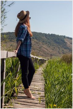 OOTD: Hai la Sic! ~ By Dee make-up and more Hipster, Plaid, How To Make, Shirts, Women, Style, Fashion, Gingham, Swag