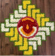 Easy Rangoli Designs Diwali, Rangoli Designs Latest, Rangoli Designs Flower, Colorful Rangoli Designs, Diwali Diy, Rangoli Ideas, Diwali Rangoli, Rangoli Designs Images, Simple Flower Rangoli