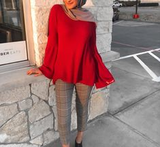 Pinterest: @adarkurdish Modern Hijab Fashion, Street Hijab Fashion, Abaya Fashion, Muslim Fashion, All Fashion, Modest Fashion, Fashion Dresses, Modest Outfits, Chic Outfits