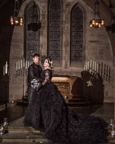 Dramatic Black Gothic Wedding Dress with Tulle #blackweddingdresses #gothicweddingdress