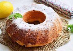 A simple cake with lemon