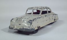 tootsietoy_1950_pontiac_sedan_coupe_hardtop_die_cast_scale_model_toy_car_1.jpg 1 866×1 118 píxeis