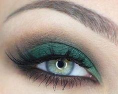 Trucco Occhi Verdi: un Tutorial semplice per intensificare lo Sguardo Trucco occhi verdi tutorial semplice verde