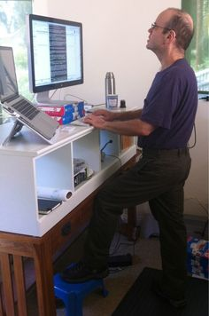 Here is another way that a standing desk looks great. #standingdesk
