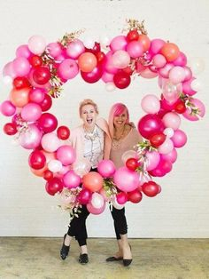 Valentine's day balloon heart day party decorations tutorials valentine's day balloon heart - diy projects Valentine's D Diy Balloon, Balloon Backdrop, Photo Booth Backdrop, Balloon Garland, Balloon Decorations, Ballon Diy, Photo Props, Photo Backdrops, Balloon Ideas
