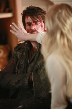 "Emma Swan and Killian Jones - 5 * 15 ""The Brother Jones"""