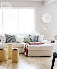 Résultats Google Recherche d'images correspondant à http://www.deco-cool.com/wp-content/uploads/2013/03/decoration-salon-scandinave-canape-d-angle-tissu-blanc-parquet-chene-clair-set-table-basse-bois.jpg