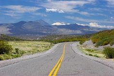 ruta nacional 40 - Bardas Blancas hacia Barrancas, en el sur de Mendoza  www.turismoruta40.com.ar/buta-ranquil.html