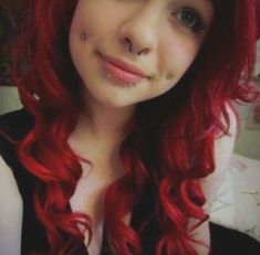 33+ trendy ideas piercing nose double spider bites #piercing Lower Lip Piercing, Dimple Piercing, Piercing Tattoo, Body Piercing, Snake Bite Piercing, Piercings Labiais, Piercings Bonitos, Labret Vertical, Dyed Red Hair