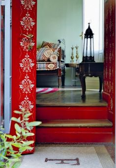 Cool Chic Style Fashion: LIFESTYLE | A casa di Gianluca Brivio Sforza.  love the red and floors