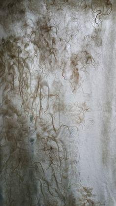 Recush curtain. Shetlandwol ondergrond met lokken van het Heideschaap