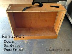 Cabinet-makeover-Sawdust2stitches.com-ss.jpg 579×434 képpont
