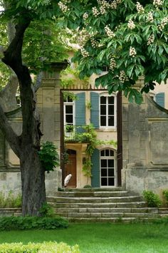 couleur volets saint remy de provence luberon maisons et jardins pinterest couleurs de. Black Bedroom Furniture Sets. Home Design Ideas