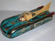 LARGE VINTAGE 1960'S TINPLATE BATTERY OPERATED RUSSIAN ? SPACE TOY