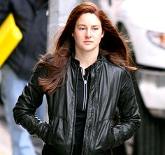 amazing spiderman 2 on set photos | ... Dyes Her Hair Red to Play Mary Jane Watson in The Amazing Spider-Man 2
