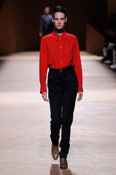 Man's shirt in pimento red crepe de Chine, tuxedo trousers in blue-black barathea, low boots in string smooth crocodile #hermes #hermesfemme #womenswear #fashion