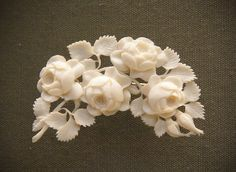 Carved ivory bouquets, German, Erbach-im-Odenwald, Of course, now we wouldn't use real ivory. Cameo Jewelry, Jewelry Art, Beaded Jewelry, Victorian Jewelry, Antique Jewelry, Vintage Jewelry, Antique Brooches, Antique Lace, Viking Jewelry