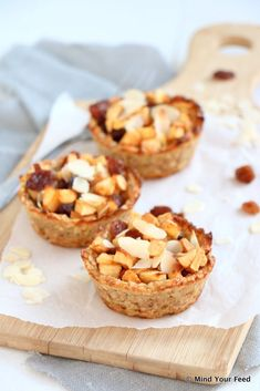 Havermout appeltaartjes - Mind Your Feed - havermout appeltaartjes - Healthy Vegan Snacks, Healthy Cake, Healthy Sweets, Easy Snacks, Healthy Baking, Raw Food Recipes, Love Food, Food And Drink, Yummy Food