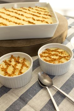 I keep introducing Portuguese recipes as classic/traditional, but lets face it, Portuguese Rice Pudding is a Portuguese classic. Experiments in Portuguese cooking, with recipes from books and from Portuguese people, to create delicious food. Portuguese Rice, Portuguese Sweet Bread, Portuguese Desserts, Portuguese Recipes, Köstliche Desserts, Delicious Desserts, Dessert Recipes, Yummy Food, Primitive Kitchen