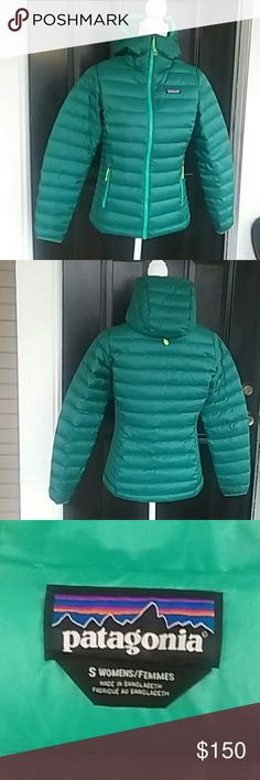Patagonia Puffer Hooded Jacket Patagonia Puffer jacket super warm! only worn a handful of time .Very  cute and a very good condition. Patagonia Jackets & Coats Puffers