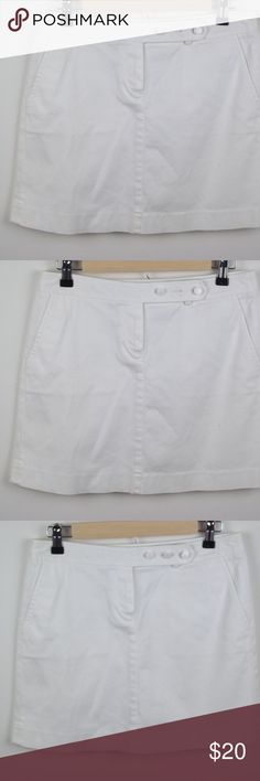 J. Crew Mini Skirt Size 4 White with Side Pockets J. Crew Women Mini Summer Skirt Size 4 White with Side Pockets  97% Cotton 3% Spandex 2 side pockets Zipper and button in front Measurements - Not Doubled Length about 15.5 inches  Waist about 14.75 inches J. Crew Factory Skirts Mini