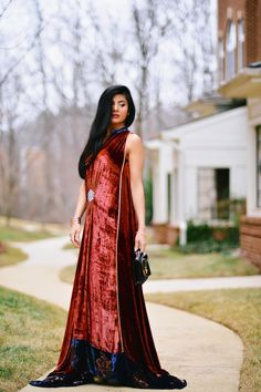 Zunera Mazhar in royal velvet gown with gold details by Embellished by Sadaf Amir Velvet Gown, Indian Gowns, Desi, Hair Beauty, Saree, Asian, Outfits, Dresses, Gold
