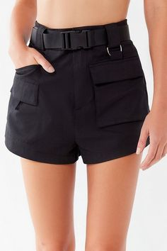 Hosen Cargo Pants For Women - Hit Stücke der Saison Cargo Shorts Women, Shorts Outfits Women, Teen Fashion Outfits, Sporty Outfits, Fashion Models, Summer Outfits, Pants For Women, Clothes For Women, Office Outfits