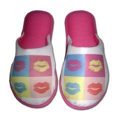 Pantufa Kisses Pink > Conforto Store