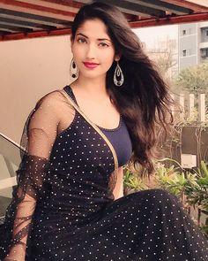 Indian Actress Hot Pics, Indian Bollywood Actress, Beautiful Bollywood Actress, Beautiful Actresses, Indian Actresses, Beautiful Girl Photo, Beautiful Girl Indian, Most Beautiful Indian Actress, Beautiful Ladies