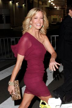 lara spencer | Lara Spencer - Stars outside the People's Choice Awards in West ...