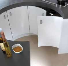 white-concave-doors Perini Kitchen