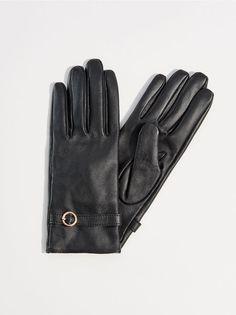 6dd562a9ee986 Skórzane rękawiczki z ozdobnym paskiem
