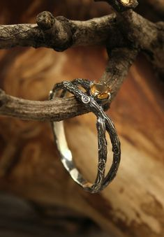 Dainty criss-cross branch engagement ring with Citrine by WeddingRingsStore. Unique braided twig ring, Birthstone silver ring, Citrine tiny ring, Gift for her #Engagementrings #bohowedding #Engagement #jewellery