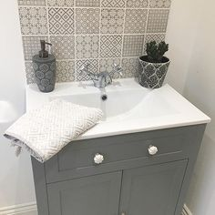 Ideas Bathroom Sink Splashback Tiles For 2019 Cloakroom Toilet Downstairs Loo, Bathroom Sink Vanity Units, Cloakroom Sink, Bathroom Splashback, Cloakroom Ideas, Bathroom Basin, Bad Inspiration, Bathroom Inspiration, Small Toilet Room