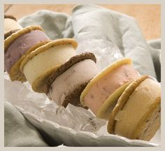 All the classic flavors you just can't live without combined into one package!  This classic assortment features two 2 each of our year-round best selling sandwiches:  Vanilla Chocolate, Strawberry Shortcake, Key Lime Pie and Peppermint Chocolate.3.75 oz each