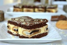 Prajitura poseta Elenei Udrea | MiremircMiremirc Romanian Desserts, Romanian Food, Cookie Recipes, Dessert Recipes, Pastry Cake, Sweet Tarts, Ice Cream Recipes, Cream Cake, Chocolate Recipes
