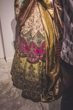 New Anamika Khanna Bridal Lehenga Wedding Couture Week Ideas Lehenga Wedding, Pakistani Wedding Outfits, Indian Attire, Indian Wear, Indian Dresses, Indian Outfits, Pakistani Dresses, Tiana Dress, Lehenga Saree