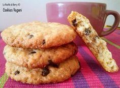 Cookies vegani, biscotti con gocce di cioccolato senza burro senza uova, leggeri, gustosi, facili da fare. Biscotti vegani perfetti per la colazione,