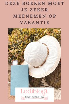 De zomervakantie komt er weer aan en voor mij betekent dit altijd, dat ik heel veel ga lezen. Want wil ik ontspannen, dan pak ik een boek. Omdat ik mijn favoriete boekenlijst zeker niet geheim wil houden, hier mijn boekenlijst voor de vakantie. Cool Style, Blog, Fun, Hush Hush, Style Fashion, Blogging, Hilarious