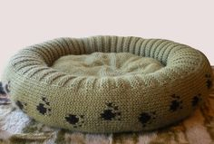 KNITTING PATTERN for Plush Bed for a Cat or Dog door ShiriDesigns