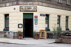 Fassldippler Eingang Restaurants, Garage Doors, Outdoor Decor, Home Decor, Cold, Door Entry, Beer, Decoration Home, Room Decor