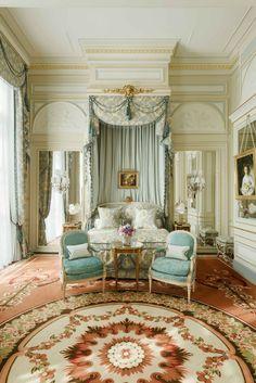 Rooms and luxury Suites - Hotel Ritz Paris 5 stars Paris Hotels, Classic Interior, Luxury Interior, Yacht Interior, Interior Design, Interior Architecture, The Ritz Paris, Paris Paris, Deco Rose