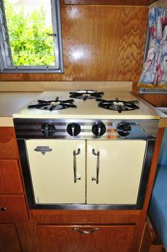 Wow, a double-door RV oven!